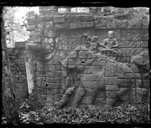 L0056561 Elephant sculpture, Nakhon Thom